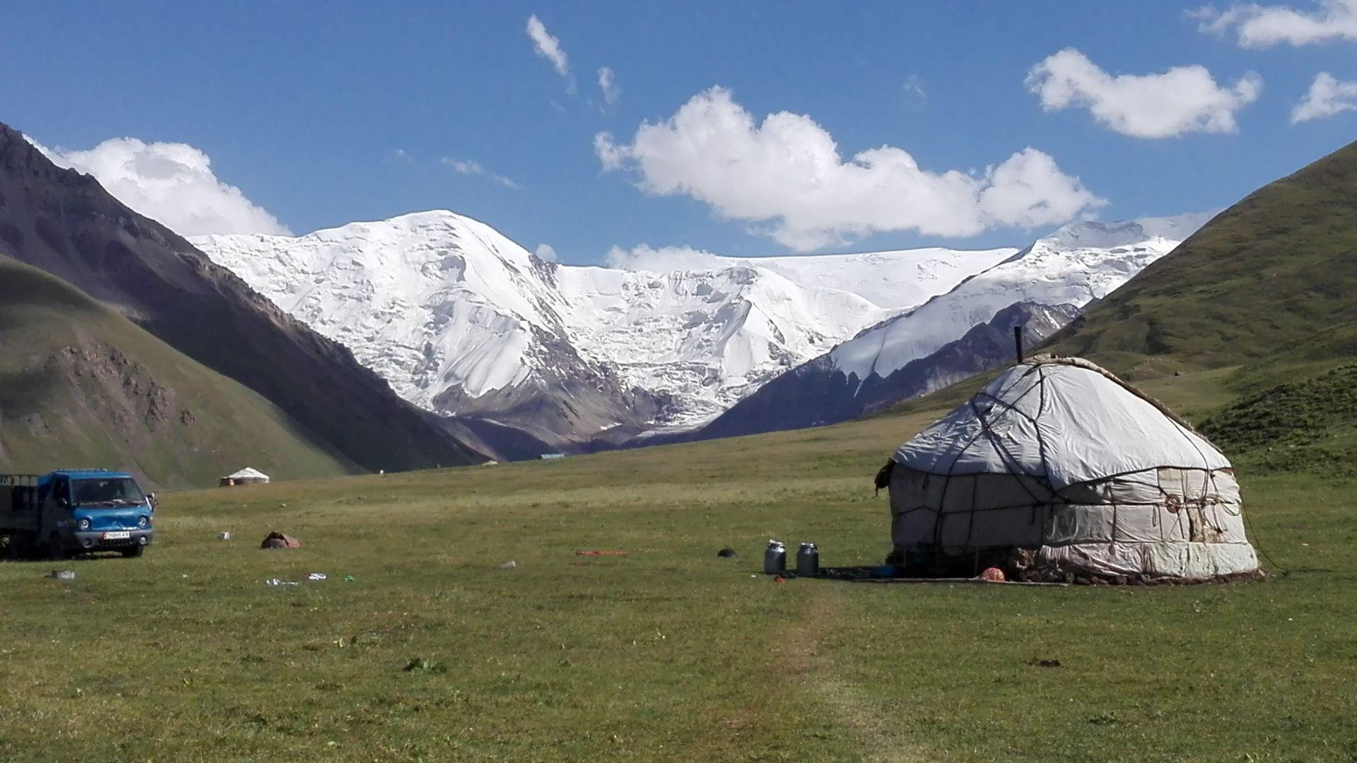 kirgistan,  motorrad, motorradreisen, touren, gruppenreise, rundfahrten, enduro, preiswert, günstig