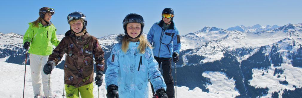 Familienreisen Ski Snowboard Skikurse Kinderbetreuung Winter